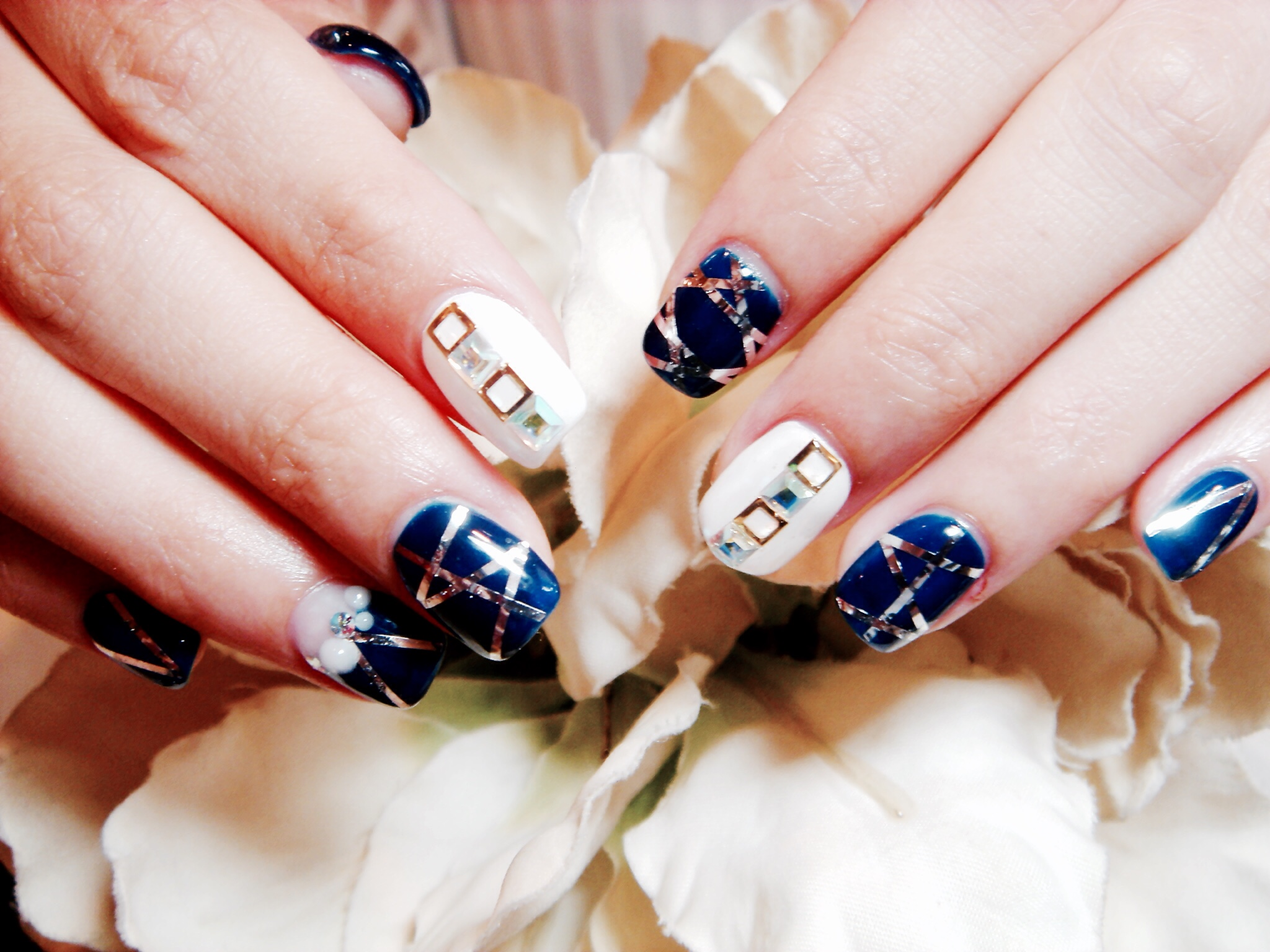 11 Glam Nail-Art Trends This Winter, According To A Taipei Nail ...