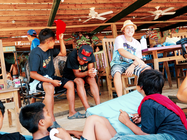 Give and Surf Panama Bocas del Toro Griffin volunteer