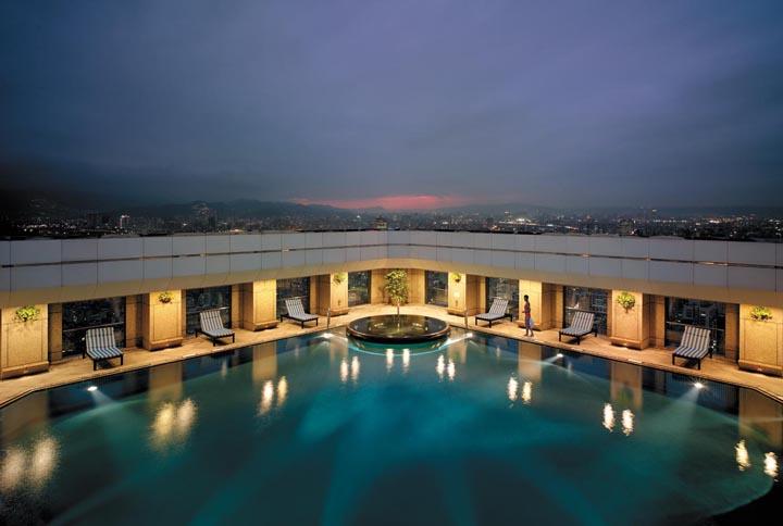 Shangri-La Far Eastern Plaza Hotel pool