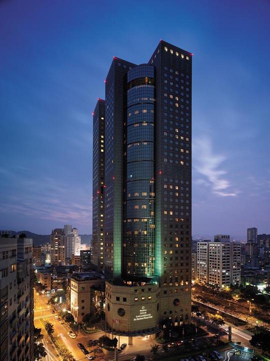 Shangri-La Far Eastern Plaza Hotel