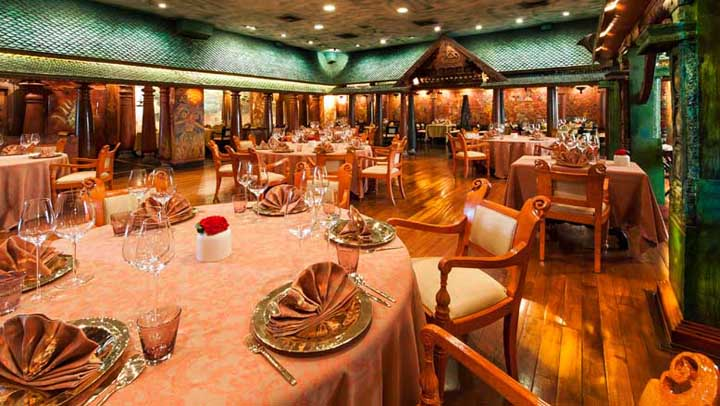 The Imperial Hotel Delhi India The Spice Route restaurant