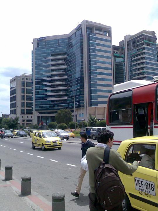 4 Taxi Bogota Colombia Flickr Juan Carlos O'Hara Gudman, Jara Guzmán