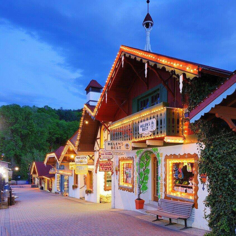 10 of the most beautiful christmas small towns in america