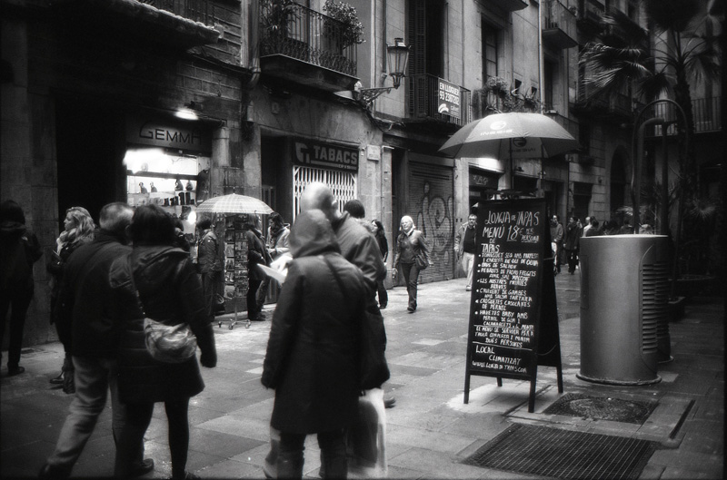 barcelona black and white