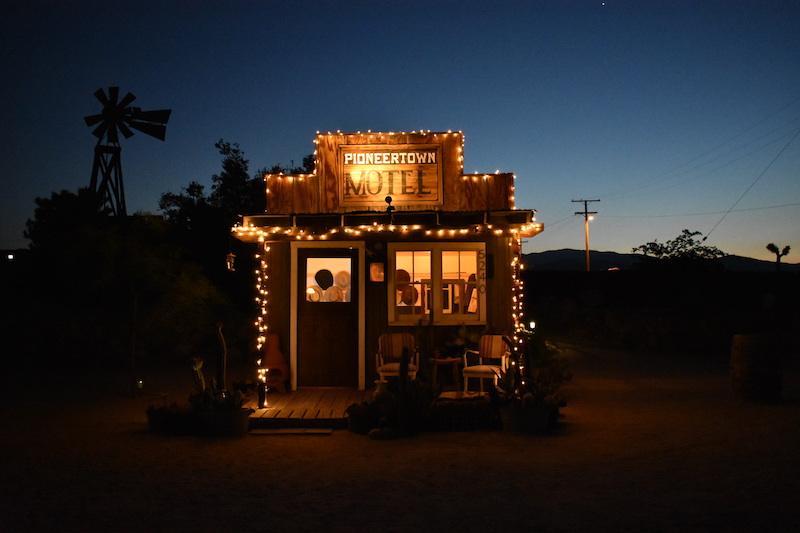 The motel at night