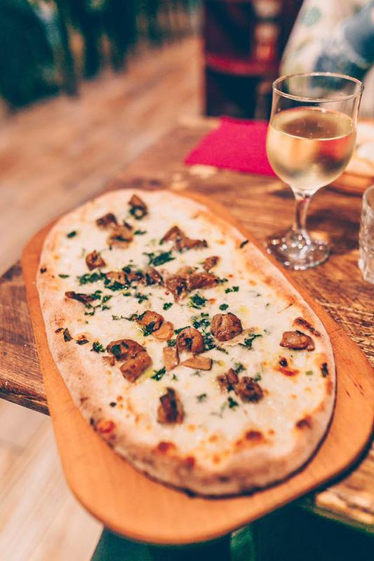 Facebook Sotto Pizzeria