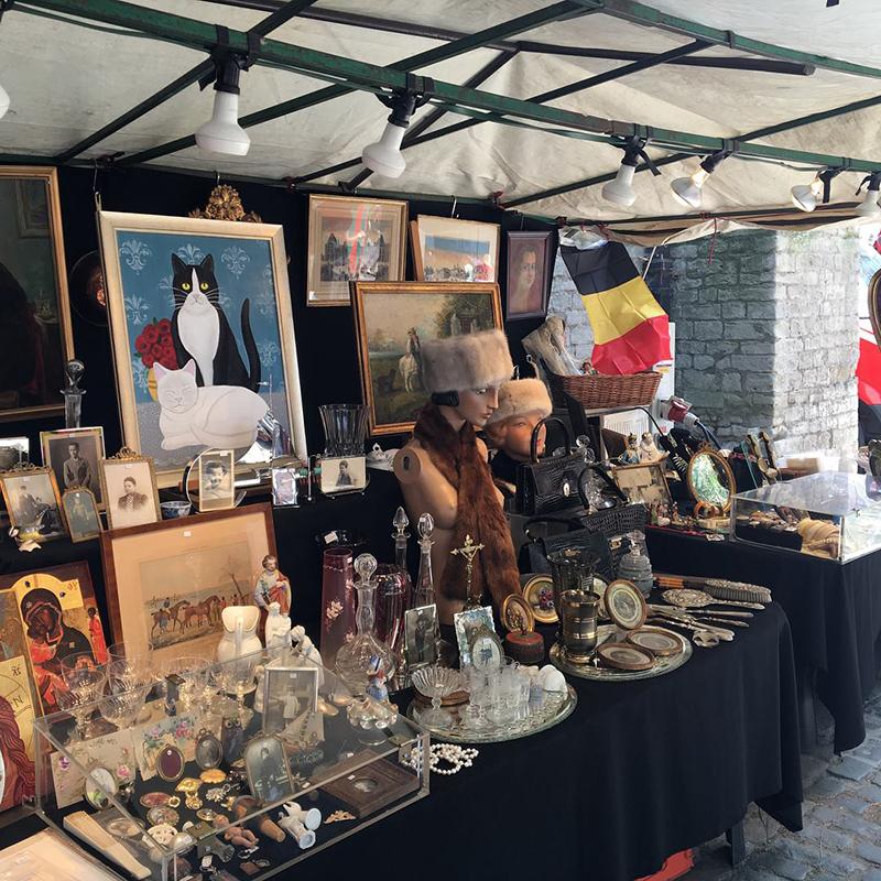 Facebook Sablon Antiques Market.