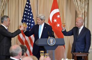Lee with U.S. Secretary of State John Kerry and U.S. Vice President Joe Biden, August 2016