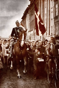 During the German occupation, King Christian X became a powerful symbol of national sovereignty. This image dates from the King's birthday, 26 September 1940. Note the lack of a guard.